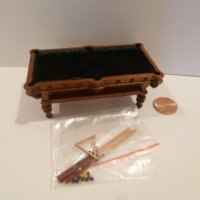 "1/2"" Scale Pool Table NWN"