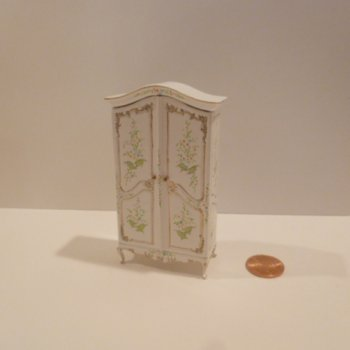 "1/2"" Scale Notions Armoire BWT"
